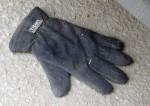 Insulated glove, Eklundsgatan, Gothenburg, Sweden 30 Mar '11 07.44