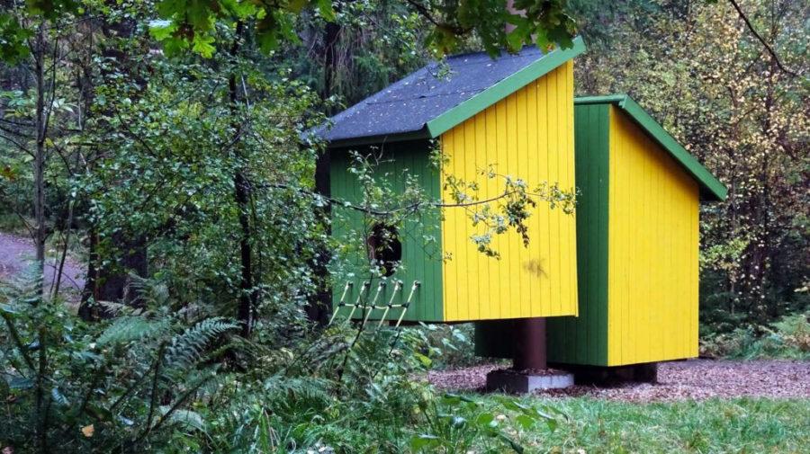 Play houses like bird houses