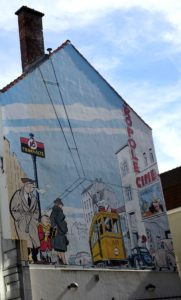 United Music: At the tram stop - house gable cartoon