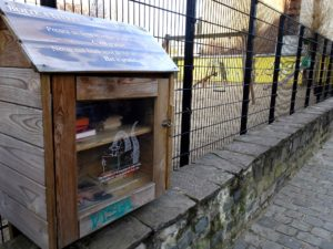Book boxes: St Gilles - children's playground