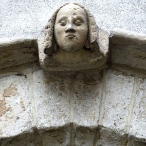 Beguine: Lintel angel