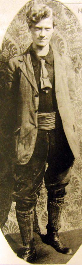 Bibliomaniac Charlie Warwick in the mid-1920s