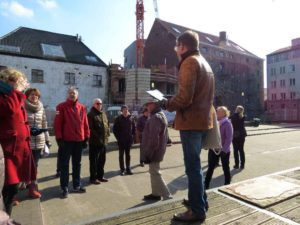 Molenbeek: In the square behind the brewery