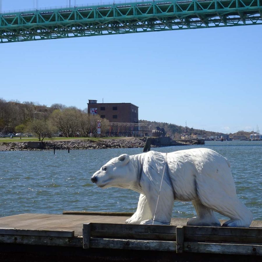 Majorna: RSK under Älvsborg bridge (with polar bear)