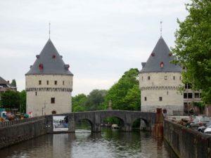 Kortrijk: Broel Towers and bridge over River Leie