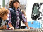 Falling water - two children at Brunnsparken