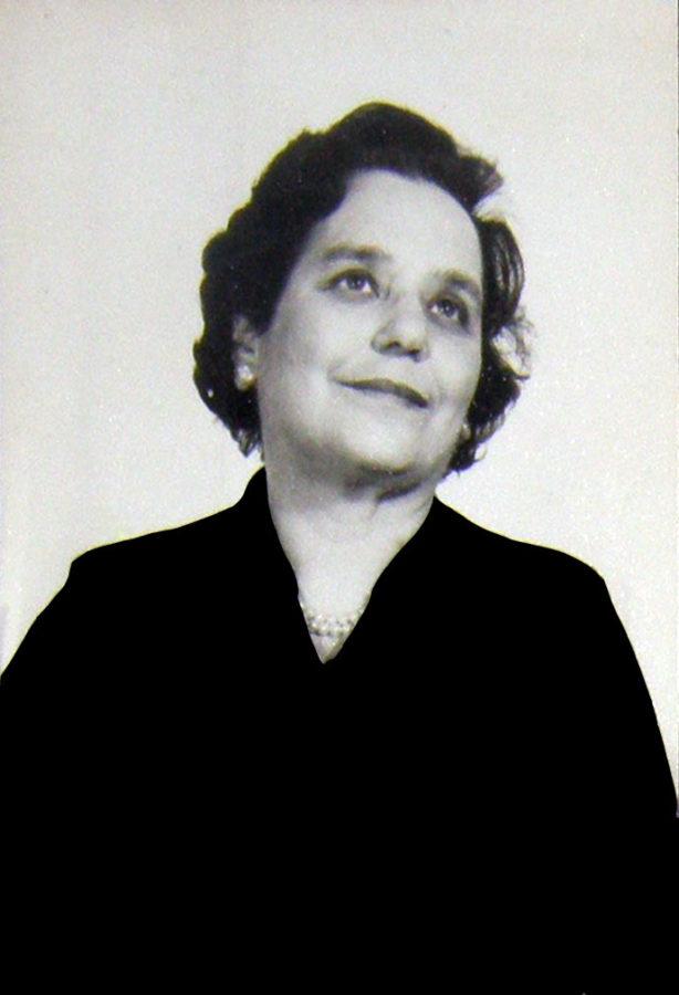 Debborah Warwick in her fifties perhaps
