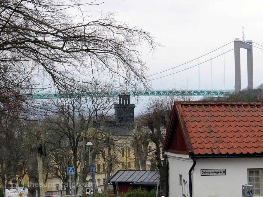 Muted autumn: Looking over Nya Varvet towards the Älvsborg suspension bridge