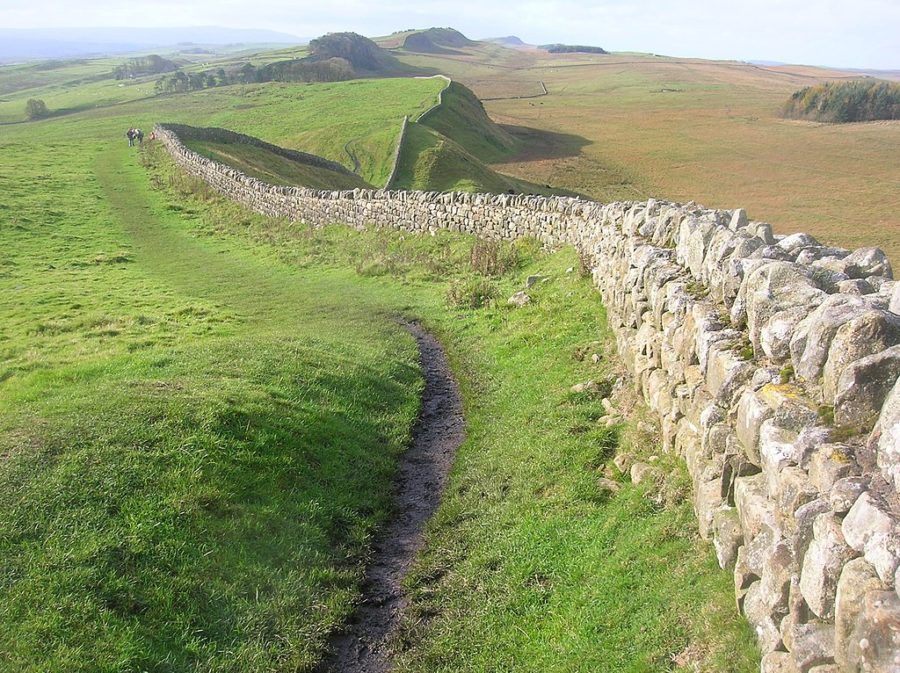 Shanks's Pony: Hadrian's Wall quisnovus from Gloucester, England, CC BY 2.0  via Wikimedia Commons